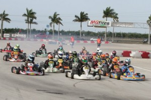 TaG Junior field shuffles into turn one (Photo: Ken Johnson - Florida Winter Tour)